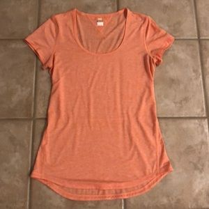 Lucy Tech Shirt Size Small